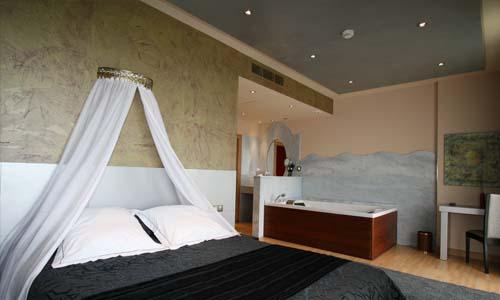 suite con jacuzzi en la habitacion 1